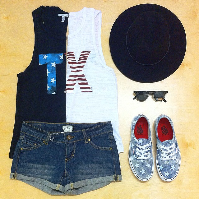 Men's and a Women's TX tees are going fast! Here's our Benjamin's outfit of the day, what's yours? Tag us in your favorite Benjamin's bought cloths, we love to see what you got! #benjaminscc #corpuschristi #surfshop #skateshop #cctx #ootd #vans #mylpreason #benjaminsurfnskate