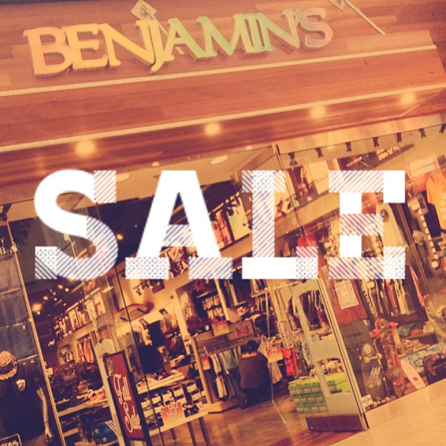 The weekend is over but the sales have just begun! Stop in our La Palmera Mall location for wide selections on sale men's & women's footwear, tops, bottoms, hats, tees, tanks and more!! #benjaminscc #sales #corpuschristi #cctx #skate #surf #beach #streetwear #mylpreason #benjaminsurfnskate